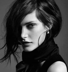 Değişiklik yapmak isteyen bayanlar için oldukça ideal olan bu saç modelleri sayesin de muhteşem görünebilirsiniz. Her saç modelinin bazı kriterleri vardır.