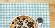 blackberry cobbler Key Lime Pie Cheesecake, Sticky Pudding, Grasshopper Pie, Peanut Butter Pretzel, Blackberry Cobbler, Chocolate Graham Crackers, Easy No Bake Desserts, Icebox Cake, Meringue Pie