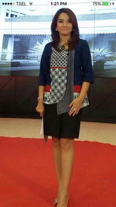 Blouse Batik, Batik Dress, Patchwork Dress, Blouse Dress, Tunic Dresses, Batik Parang, Batik Kebaya, Batik Fashion, Fashion Outfits
