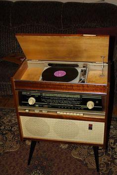 Наша электроника и бытовая техника / Назад в СССР / Back in USSR Radios, Vintage Music, Retro Vintage, Vintage Television, Antique Radio, Record Players, Diy Electronics, Mid Century House, Vintage Cards