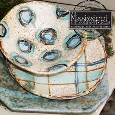 The Mississippi Gift Company: MS Made Foods, Gifts and Home Decor Decorate your table for Easter with Etta B and Peter's Pottery! Slab Pottery, Pottery Plates, Ceramic Pottery, Pottery Art, Ceramic Tableware, Ceramic Decor, Ceramic Art, Pottery Painting Designs, Pottery Designs