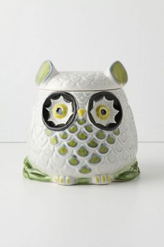 isn't this the cookie jar in Claire's house on Modern Family? I loooove it. $98 Anthropologie