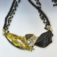 carved black jade orpiment necklace