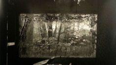 Interpelli sociali e trombe tragiche per gli scatti di Guglielmi alla Galerie Maubert di Parigi.