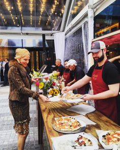 The Moinian Group celebrates Memorial Day at SKY with residents of the #luxe #rental building and delicious bites from #NomadPizza. #Client #Luxury #RealEstate #ResidentialRealEstate #OutAndAbout #Moinian #MoinianGroup #LiveAtSky #Sky #Manhattan #NewYorkCity #NYC #NY #Apartments