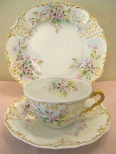 Vintage Tea cup and Saucer Tea Cup Set, My Cup Of Tea, Tea Cup Saucer, Tea Sets, Teapots And Cups, Vintage China, Vintage Teacups, Antique China, China Tea Cups