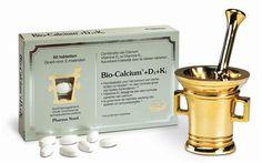 Pharma Nord Bio Calcium   D3   K1 60 tabletten - Ons hele lichaam wordt gedragen door ons skelet. Het skelet bestaat uit duizenden botten, die bij elkaar worden gehouden door pezen en spieren. Wanneer we ouder worden neemt de dichtheid en de kracht van onze botten af. Bio-Calcium D3 K1 heeft drie hoofdwerkingen: * Calcium (500 mg per tablet) is de belangrijkste bouwsteen voor de botten. * Vitamine D3 (5 mcg) verbetert de opname van calcium uit het maag-darmkanaal. * Vitamine K1 (35 mcg)…