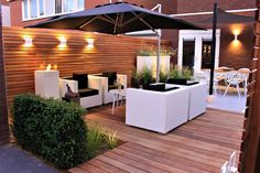 Jardin d& jardin moderne du jardinier Guy Wolfs - Small Garden Landscape, Small Backyard Gardens, Backyard Patio Designs, Outdoor Pergola, Backyard Pergola, Backyard Landscaping, Outdoor Decor, Pergola Kits, Privacy Screen Outdoor