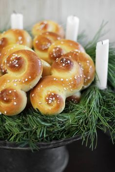 i love this SO much! ::: St. Lucia Buns (Swedish Saffron Christmas Bread) from Sprinkle Bakes