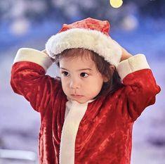 Triplet Babies, Superman Kids, Superman Wallpaper, Eden Park, Baby Park, Korean Babies, Triplets, Cute Babies, Winter Hats