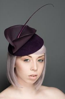 I love lillies and the deep rich colour of this is perfect.  Robyn Coles Millinery. Love this hat #millinery #judithm #hats