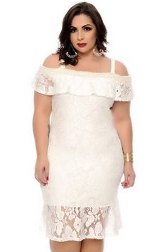 Creme/baby pink lace knee high dress Very comfortable creme/pink lace dress with liner under. Stretchy and knee length. Fits an xs-s Free People Dresses Midi Off White Lace Dress, Pink Lace, Free People Lace Dress, Vestidos Plus Size, Looks Plus Size, Lace Slip, Asymmetrical Dress, Dress P, Nice Dresses