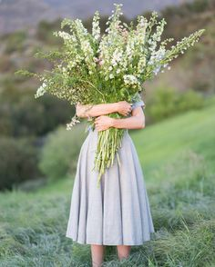 A giant bouquet there! Imagine picking these up for a photo session on beautiful hills with pretty feminine dresses.
