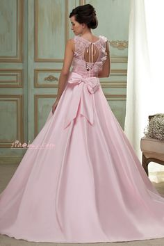 I am in love with this dress,