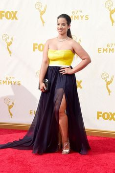 Look Back at the Fan-Frickin'-Tabulous Emmys Outfits From Last Year Dascha Polanco 80s Fashion, Fashion Dresses, Fashion Looks, Jeans Fashion, Classy Fashion, Cheap Fashion, French Fashion, Ladies Fashion, Fashion Ideas