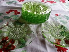12-Green-Depression-Hocking-Colonial-Knife-and-Fork-6-Sherbet-Saucers