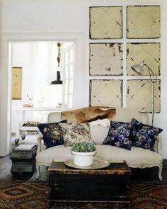 wohnzimmer-rustikal-bilder-an-der-wand