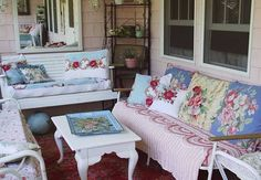 pink cottage: vintage seating that would be perfect for a porch