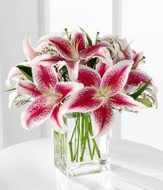 centerpieces.. square vase