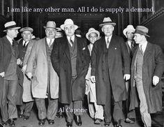 Al Capone - 1931 - Leaving Court - Photo - Tax Evasion - Chicago - Mafia - Mobster - Mob - Gangster - Prohibition - Bootlegging - Wall Art Real Gangster, Mafia Gangster, Gangster Style, Roaring Twenties, The Twenties, Al Capone Quotes, Bonnie Y Clyde, Mafia Crime, Moda Masculina
