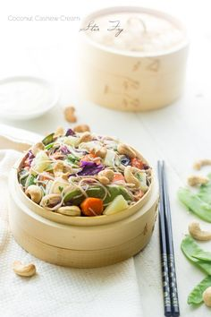 Honey Ginger Cashew Cream Stir Fry - Noodles, crunchy cashews and sweet honey ginger pineapples, this healthy meal has it all! And it's quick and easy too! | Foodfaithfitness.com | #stirfry #recipe #Meatlessmonday