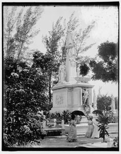 Monument to Cuban students in Colon Cemetery. The students were executed by Spainish troops during their colonisation of the island. (Library of Congress, Prints & Photographs Division)In pictures: archive photos of Cuba's Havana from the early 1900s