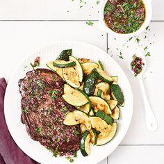 Bavette grillée, courgettes au four, sauce Chimichurri - illico Fresco