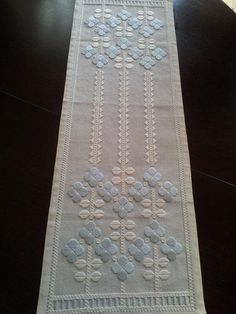 Home decor. In excellent condition. Materials: linen Measures: 67 cm x 23 cm. Embroidery Stitches Tutorial, Bargello, Pastel Blue, Blackwork, Table Runners, Fiber Art, Diy And Crafts, Cross Stitch, Creative