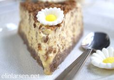 Daim iskake - Elin Larsen Ice Cake, Kulfi, Frozen Desserts, Ice Cream Recipes, Popsicles, Sorbet, Banana Bread, French Toast, Pudding