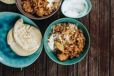Lencsedhal gombával   Lila füge Hummus, Baking Recipes, Grains, Curry, Ethnic Recipes, Dahl, Lilac, Cilantro, Cooking Recipes