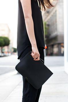 Back to black Minimal Chic, Minimal Fashion, Back To Black, Looks Style, Style Me, Look Fashion, Womens Fashion, Milan Fashion, Fashion Designer