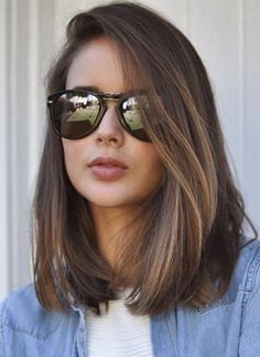 55 Chic Medium Length Hair Styles for Women, Frisuren, corte long bob. Medium Hair Cuts, Medium Hair Styles, Curly Hair Styles, Round Face Haircuts Medium, Short Hair For Round Face, Medium Haircuts For Women, Women's Haircuts Medium, Haircuts For Girls, Haircut For Round Face Shape