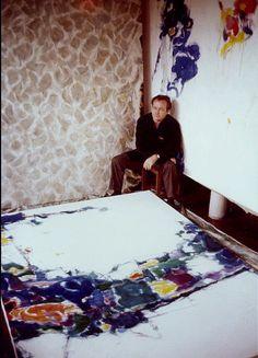 Sam Francis in his Tokyo Studio, 1957 © 2011 The Sam Francis Foundation. Francis, (June 25, 1923, San Mateo, California – November 4, 1994, Santa Monica, California). was an American painter and printmaker.