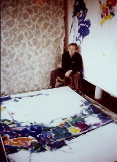 Sam Francis in his Tokyo Studio, 1957 © 2011 The Sam Francis Foundation. Francis, (June 25, 1923, San Mateo, California – November 4, 1994, Santa Monica, California). was an American painter and printmaker.