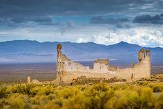 Ghosttown Rhyolite Nevada 2 - ruin in rhyolite, nevada, mountain scenery