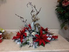 Save money and try your hand at making your own Christmas Table Decorations this year. Christmas Flower Arrangements, Christmas Flowers, Christmas Table Decorations, Christmas Wreaths, Rustic Christmas, Christmas Holidays, Elegant Christmas, Christmas Christmas, Christmas Crafts