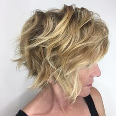 """189 Likes, 27 Comments - Las Vegas Hair•Balayage•Color (@savagestylist) on Instagram: """"Movement... The quickest way to change your look is to change the way you style your haircut.…"""""""