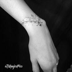 Cute tattoos for women, wrist tattoos for women, hand tattoos, body art tat Little Tattoos, Mini Tattoos, Body Art Tattoos, Small Tattoos, Wrist Band Tattoo, Wrist Bracelet Tattoo, Cute Tattoos For Women, Wrist Tattoos For Women, Nagel Tattoo
