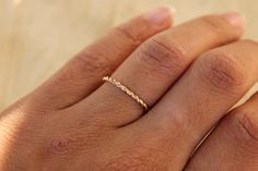 SOLIDE 14K or jaune bague Twist en or bague par BlueSunflowers