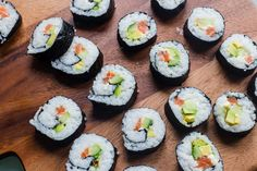 Different Types Of Sushi, Different Vegetables, Make Your Own Sushi, How To Make Sushi, Sushi Set, Sushi Ingredients, Sushi At Home, Kitchens, Healthy Recipes