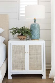 Living Room Inspiration, Home Decor Inspiration, Decor Ideas, Coastal Living Rooms, Living Room Decor, Bedroom Bookcase, Summer House Interiors, Earthy Home Decor, Stand Design