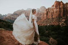 Her dress. That background. Just...wow. | Image by Teresa Jack Photography