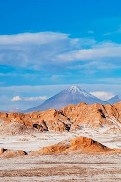 Incredible things to do in the Atacama Desert, Chile and San Pedro de Atacama . Go stargazing, discover incredible landscapes - the Atacama Desert is an unmissable spot on your South America travels! #travel #chile #traveldestinations