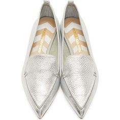 Nicholas Kirkwood Silver Leather Bottalato Loafers (845 BRL) ❤ liked on Polyvore featuring shoes, loafers, nicholas kirkwood shoes, metallic shoes, metallic loafers, silver leather shoes and genuine leather shoes