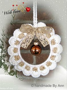 Handmade by Ann - With love: KersthangerHandmade - crochet Christmas decoration - with heart in the center for valentine day - with egg for Easter - shabby chicThe Englisch pattern will be available as soon as possibleRavelry is a community site, an Crochet Christmas Wreath, Crochet Wreath, Crochet Christmas Decorations, Crochet Ornaments, Crochet Decoration, Christmas Crochet Patterns, Crochet Snowflakes, Holiday Crochet, Christmas Ornament Crafts