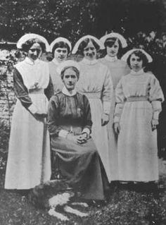 Edith Cavell with some of her nurses in Brussels.