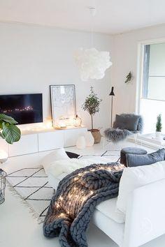 Scandinavian Inspired Living Room Decor Minimalistic Cosy Hygge Home All Neutral Decor Inspo Ikea Living Room, Living Room Modern, Living Room Furniture, Living Room Designs, Furniture Stores, Living Rooms, Rustic Furniture, Small Living, Vintage Furniture