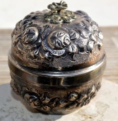ESTATE COIN SILVER FLORAL REPOUSSE ROUND LIDDED BOX w/ GILT INTERIOR-900 KK #KK