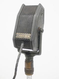 - Amperite RBH microphone - http://www.pinterest.com/TheHitman14/headphones-microphones-%2B/ - www.remix-numerisation.fr - Rendez vos souvenirs durables ! - Sauvegarde - Transfert - Copie - Digitalisation - Restauration de bande magnétique Audio - MiniDisc - Cassette Audio et Cassette VHS - VHSC - SVHSC - Video8 - Hi8 - Digital8 - MiniDv - Laserdisc - Bobine fil d'acier - Micro-cassette - Digitalisation audio - Elcaset