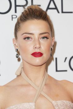 Amber Heard Photos - Actress Amber Heard attends Glamour Women Of The Year 2016 at NeueHouse Hollywood on November 2016 in Los Angeles, California. - Glamour Women of the Year 2016 - Arrivals Amber Heard Cabelo, Fotos Amber Heard, Amber Heard Hair, Amber Heard Photos, Dark Brunette, Golden Blonde, Red Carpet Makeup, The Danish Girl, Famous Photos